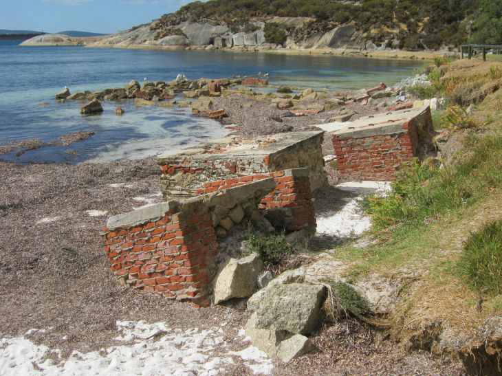 whaling-station-ruins-2014